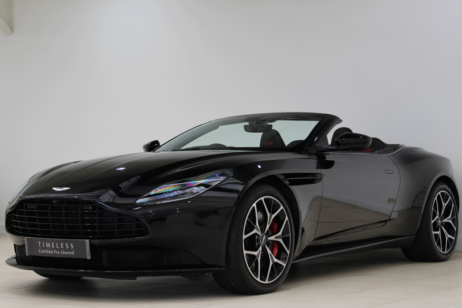 Aston Martin DB11 Volante V8 2dr Touchtronic image 3