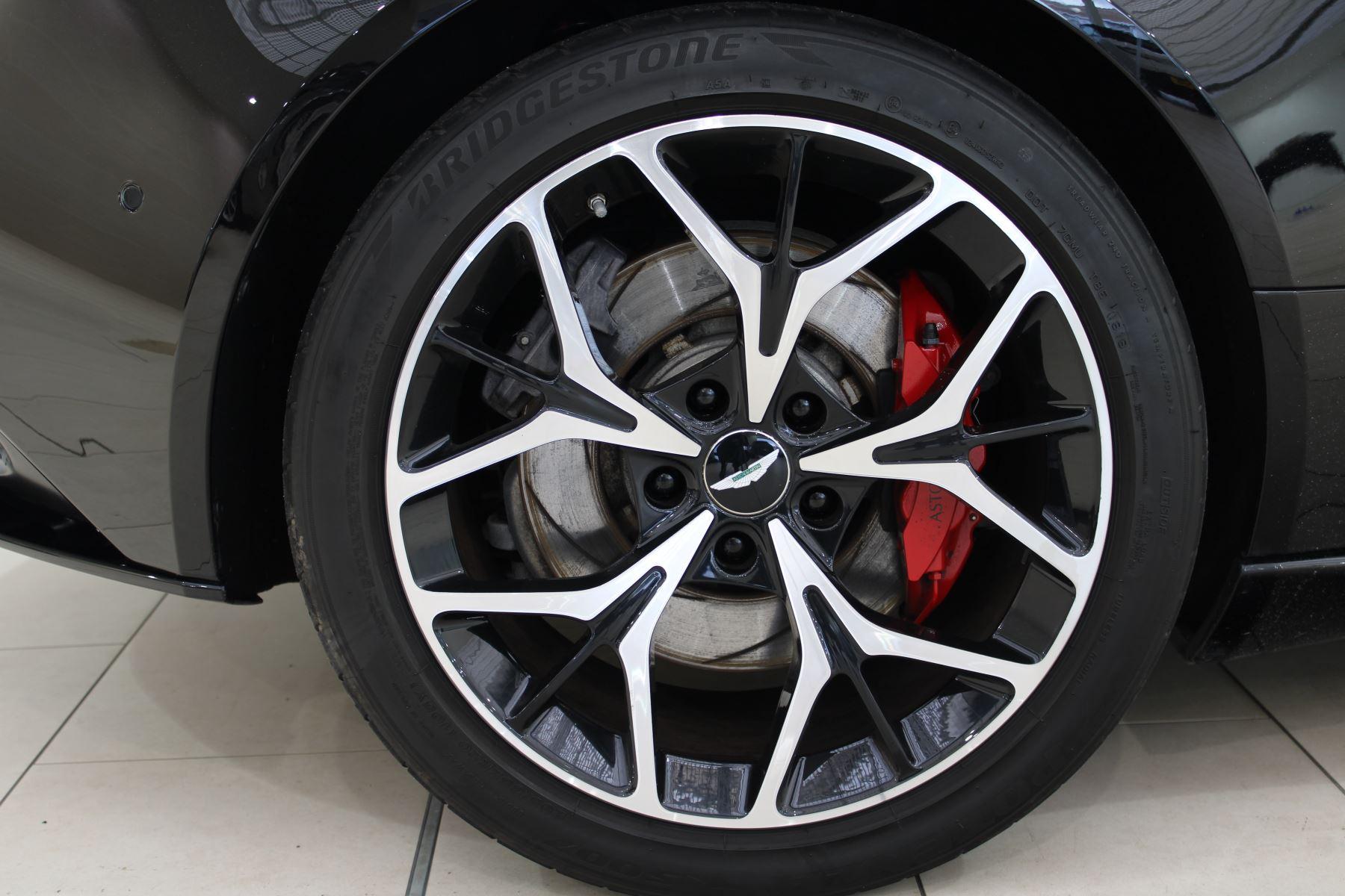 Aston Martin DB11 Volante V8 2dr Touchtronic image 14