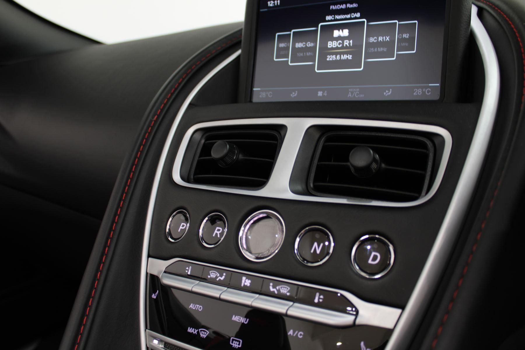 Aston Martin DB11 Volante V8 2dr Touchtronic image 21
