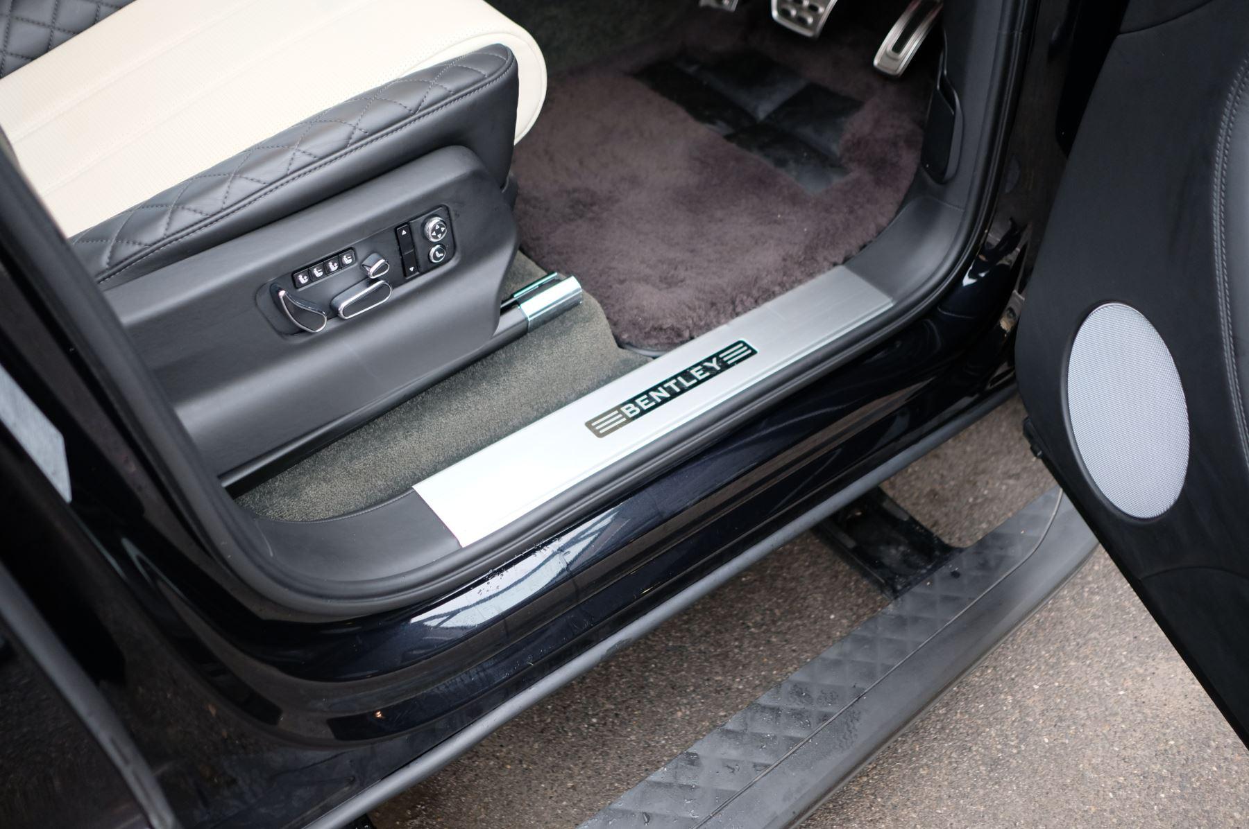 Bentley Bentayga Diesel 4.0 V8 Mulliner Driving Spec 5dr Auto - 7 Seat Specification image 17