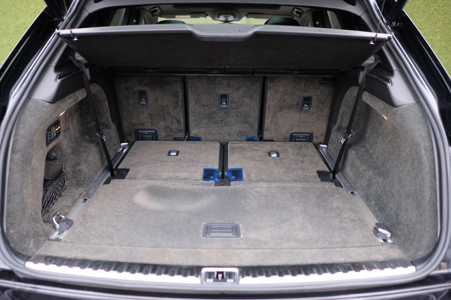 Bentley Bentayga Diesel 4.0 V8 Mulliner Driving Spec 5dr Auto - 7 Seat Specification image 9
