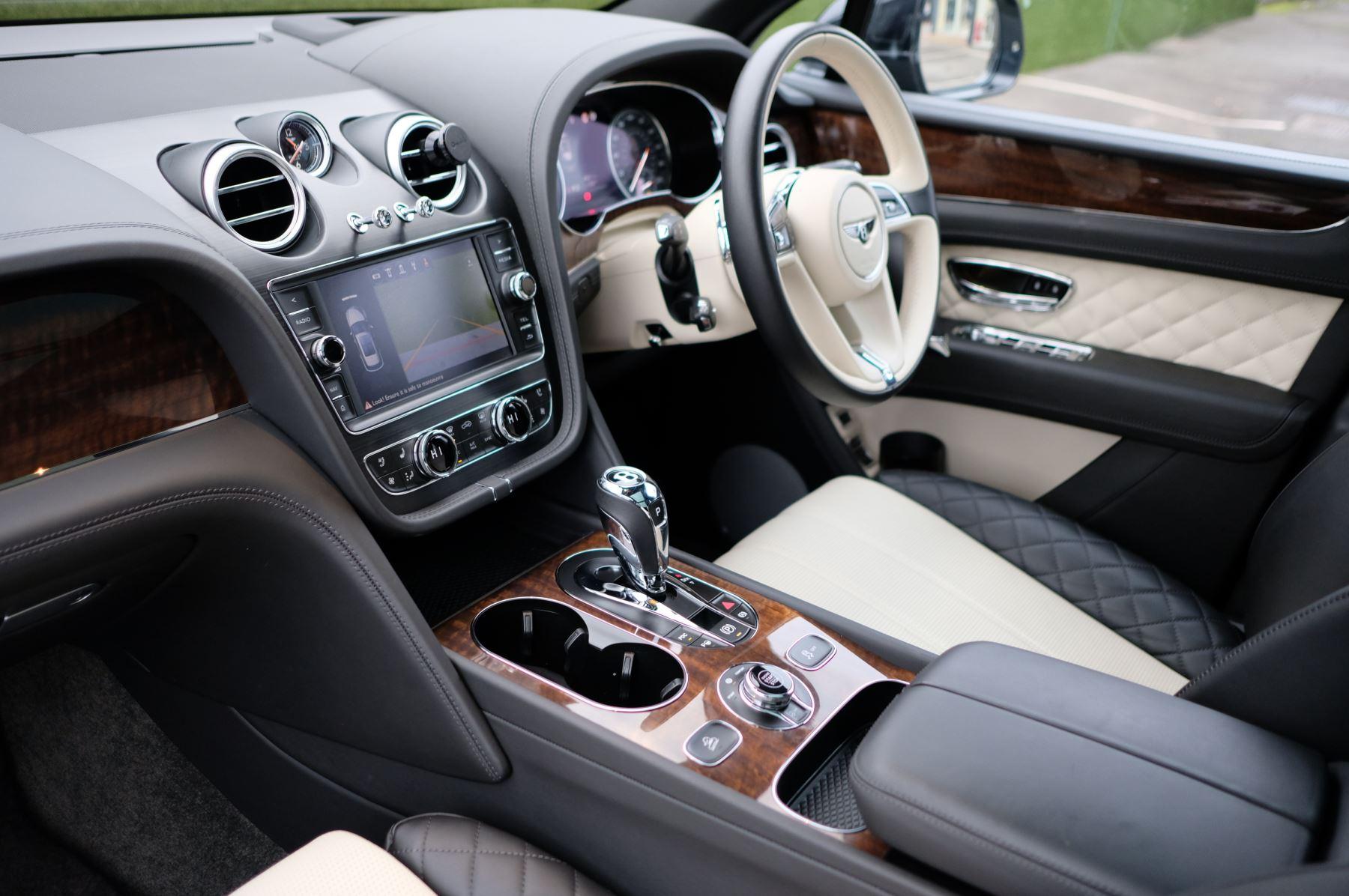 Bentley Bentayga Diesel 4.0 V8 Mulliner Driving Spec 5dr Auto - 7 Seat Specification image 11