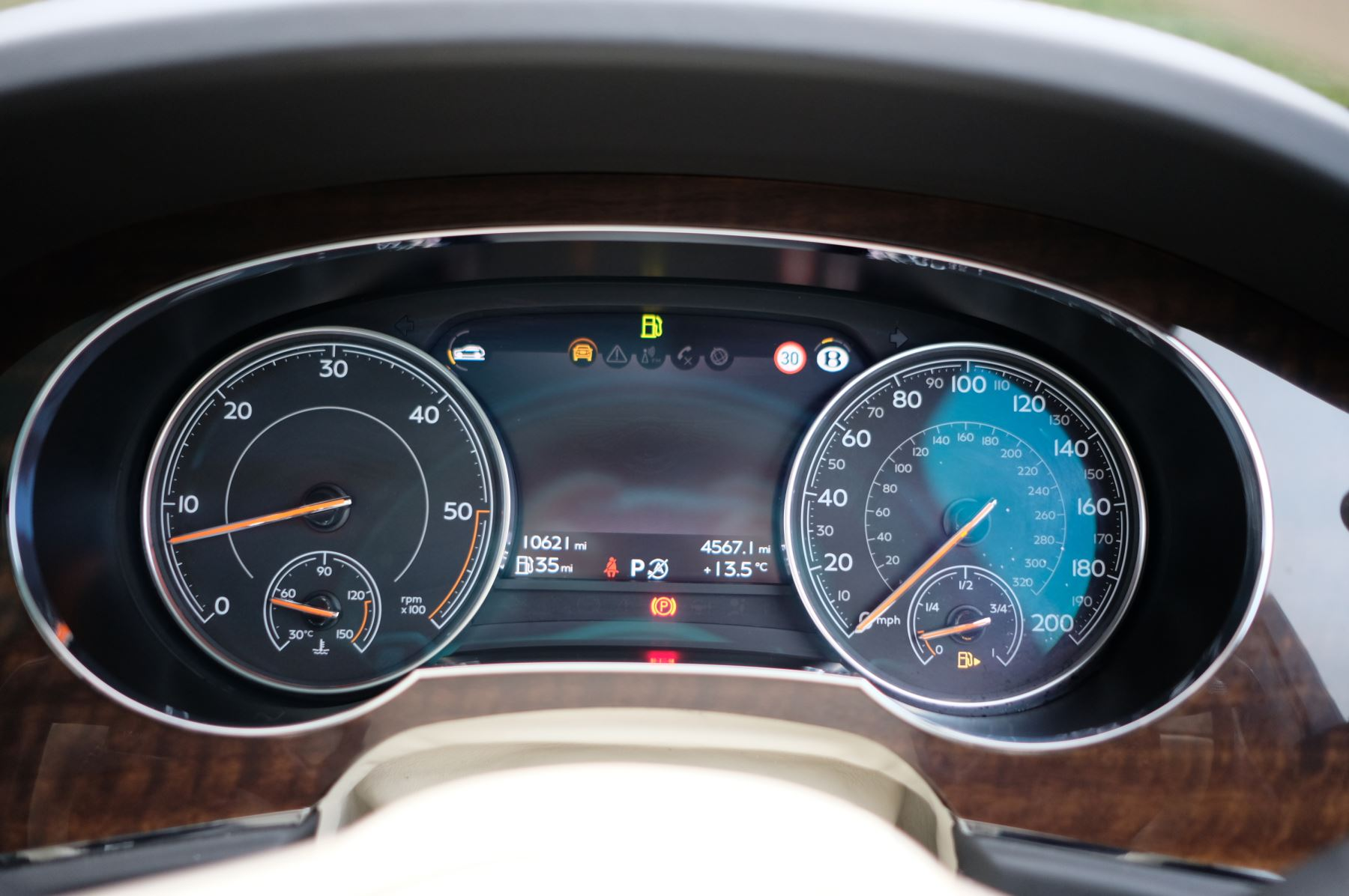 Bentley Bentayga Diesel 4.0 V8 Mulliner Driving Spec 5dr Auto - 7 Seat Specification image 21