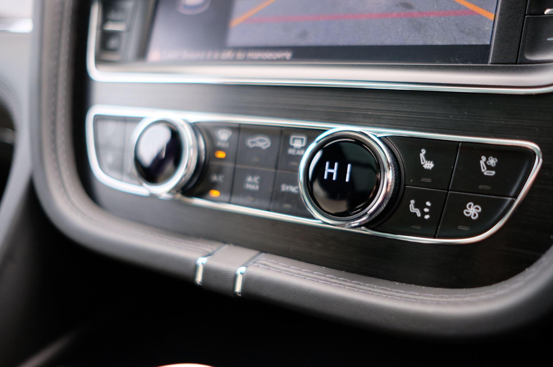 Bentley Bentayga Diesel 4.0 V8 Mulliner Driving Spec 5dr Auto - 7 Seat Specification image 24