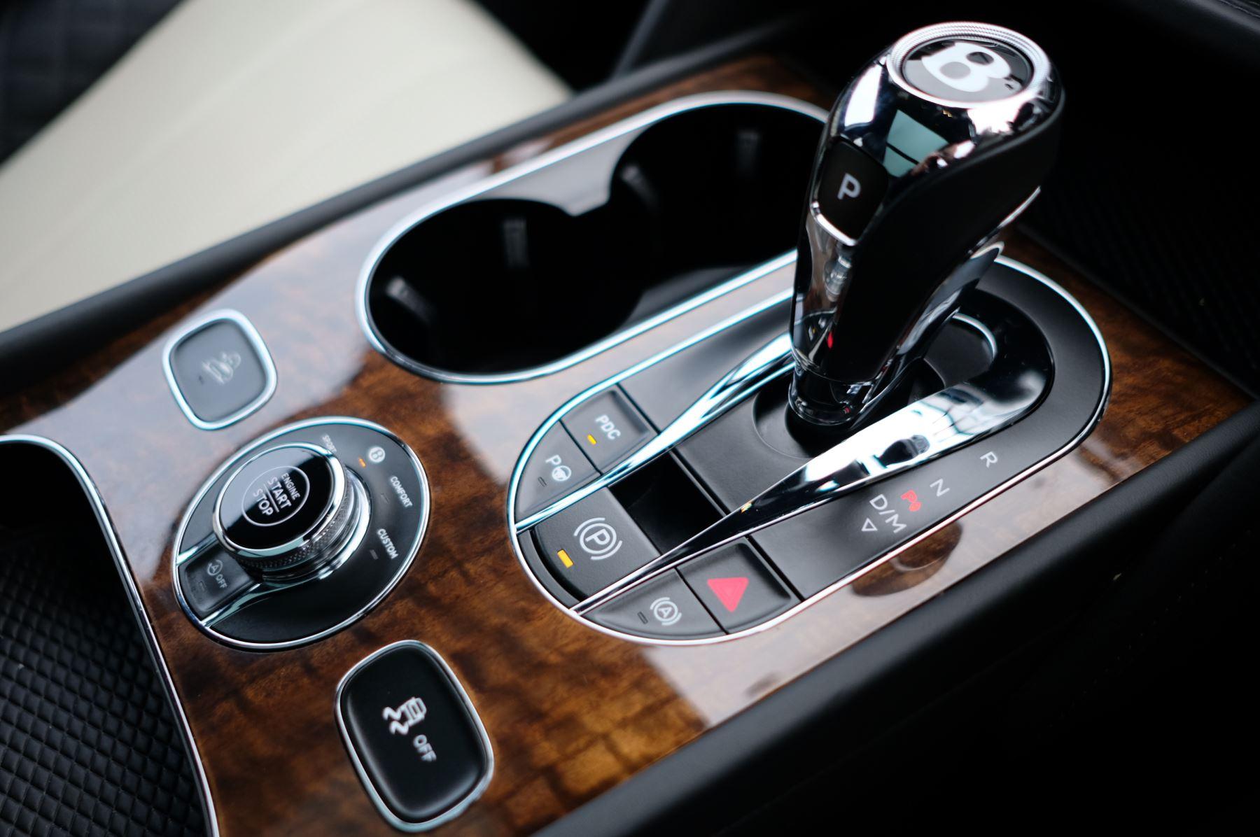 Bentley Bentayga Diesel 4.0 V8 Mulliner Driving Spec 5dr Auto - 7 Seat Specification image 25