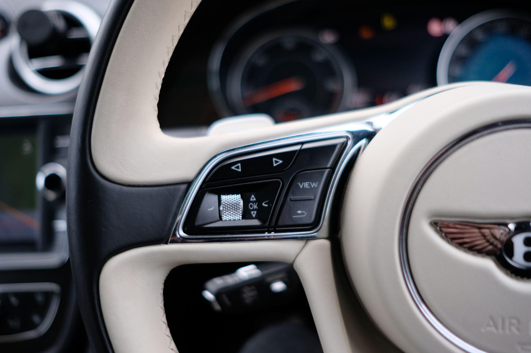 Bentley Bentayga Diesel 4.0 V8 Mulliner Driving Spec 5dr Auto - 7 Seat Specification image 26