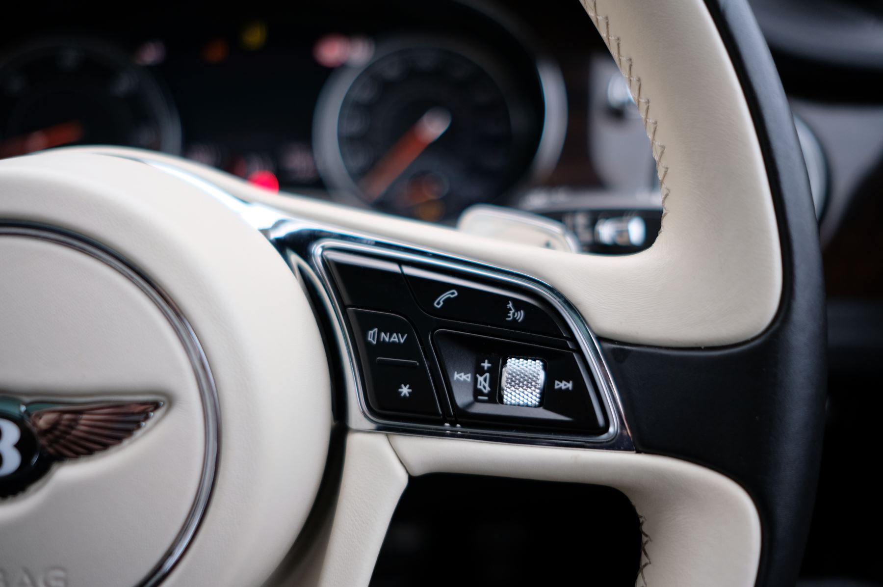 Bentley Bentayga Diesel 4.0 V8 Mulliner Driving Spec 5dr Auto - 7 Seat Specification image 27