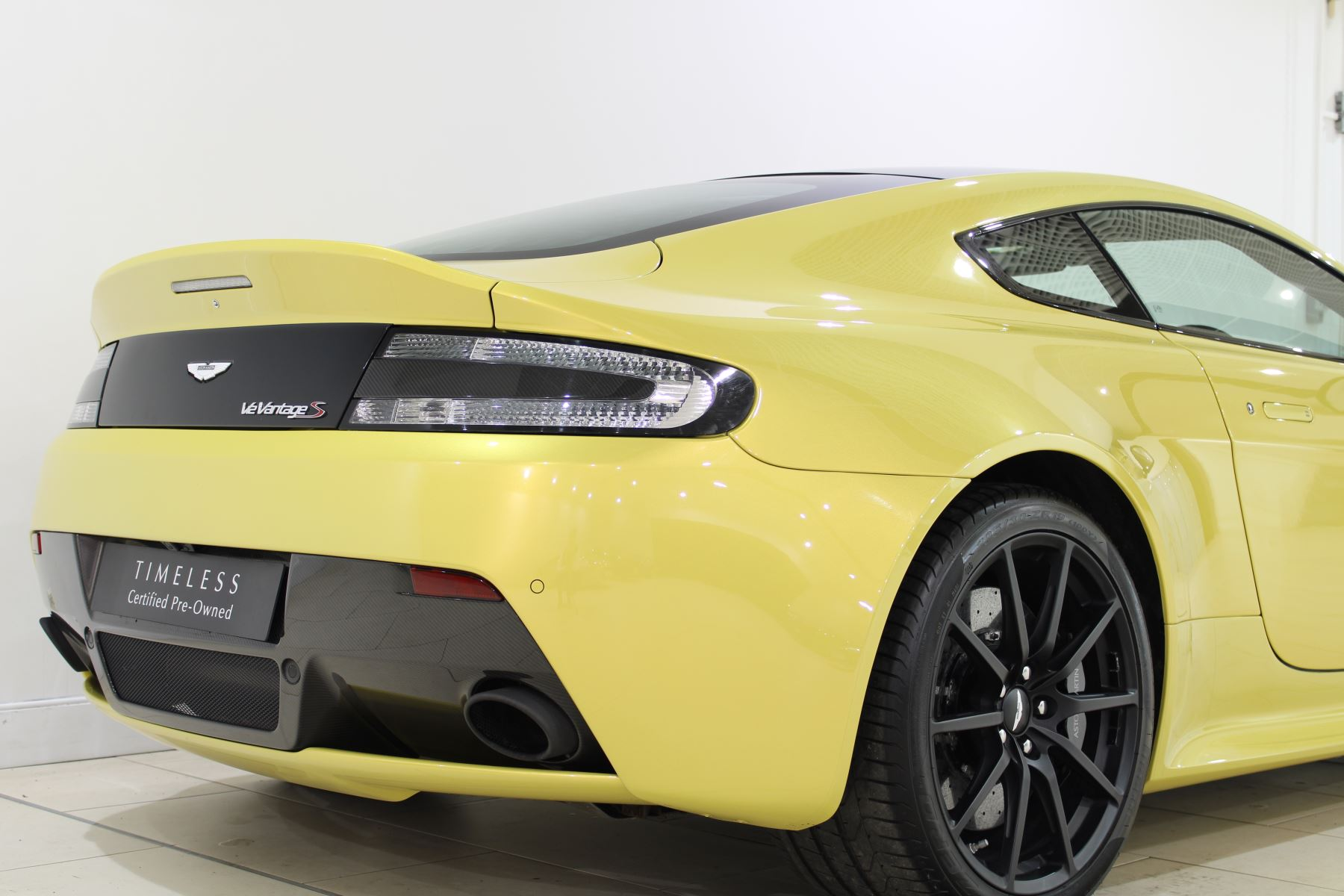 Aston Martin V12 Vantage S Coupe S 2dr Sportshift III image 8