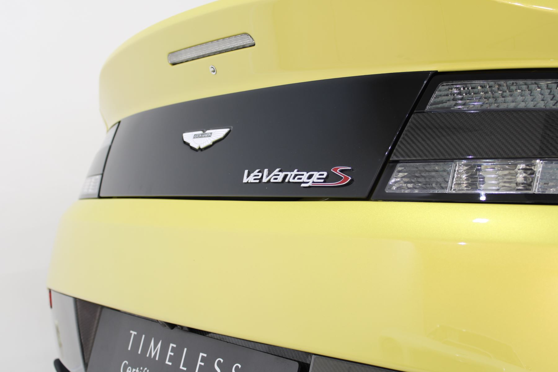 Aston Martin V12 Vantage S Coupe S 2dr Sportshift III image 16