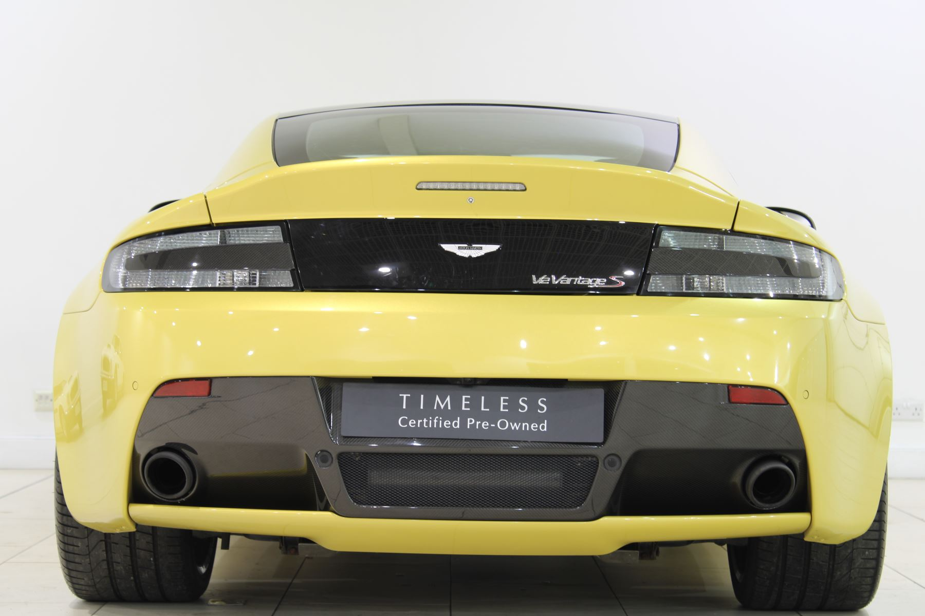 Aston Martin V12 Vantage S Coupe S 2dr Sportshift III image 9