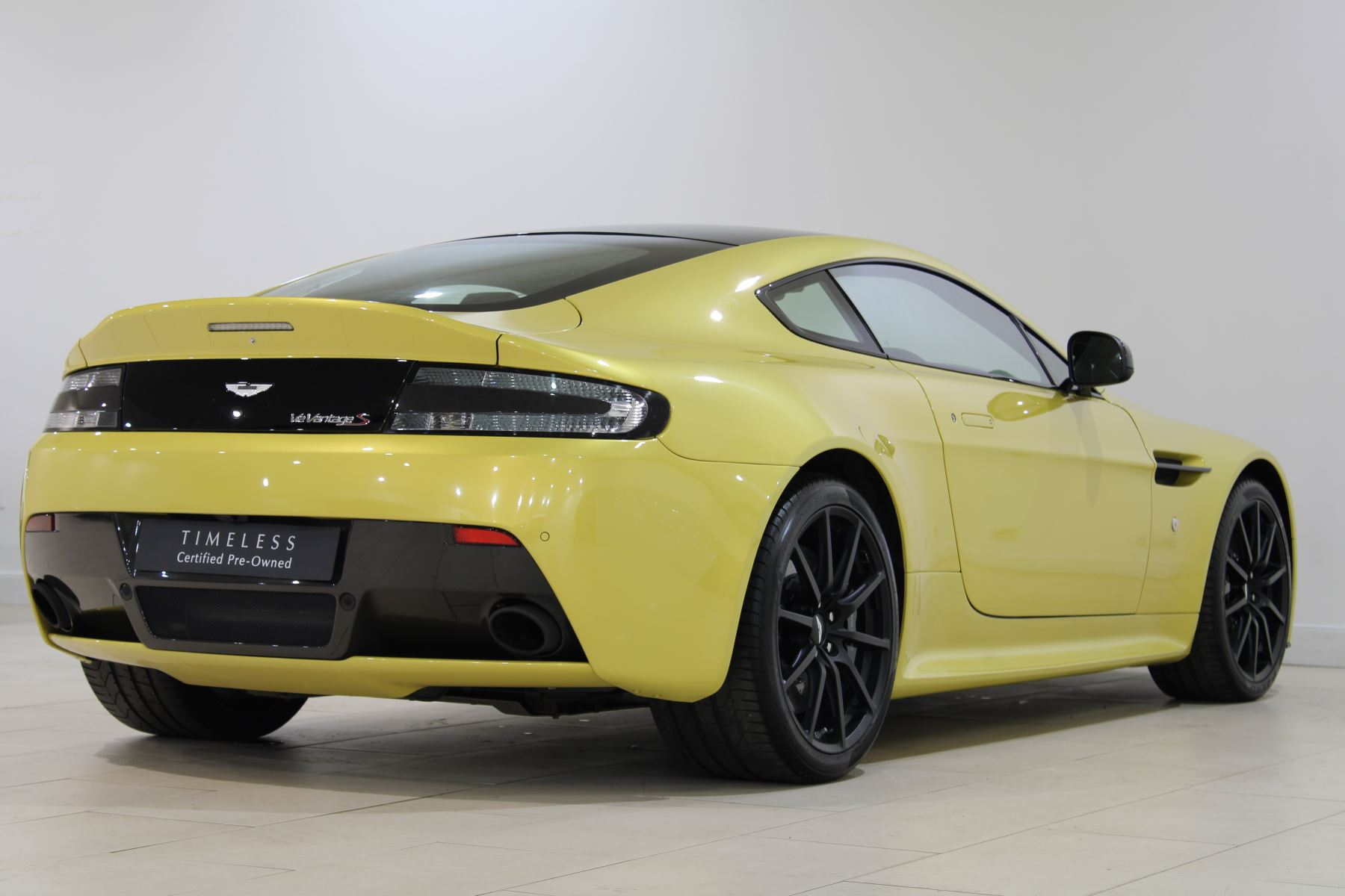 Aston Martin V12 Vantage S Coupe S 2dr Sportshift III image 7