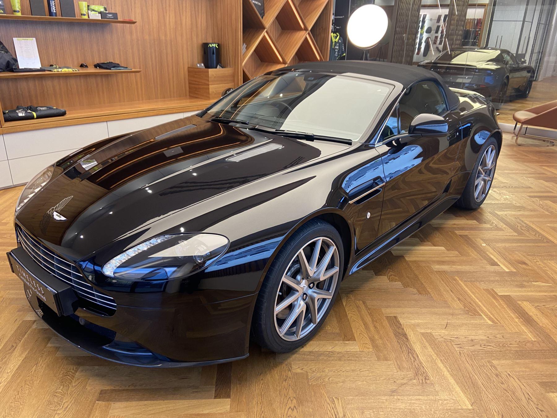Aston Martin V8 Vantage S Roadster S 2dr Sportshift image 3