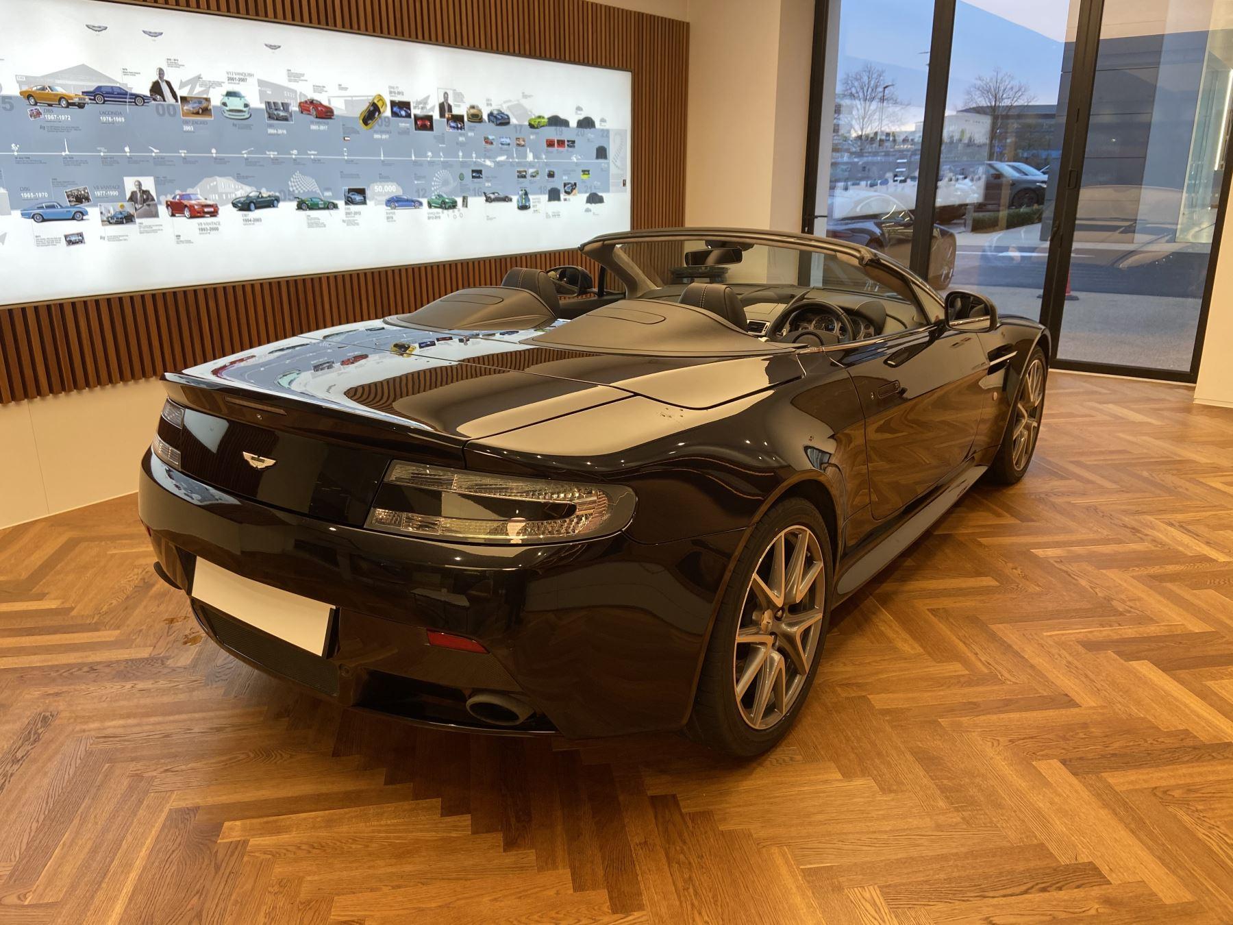 Aston Martin V8 Vantage S Roadster S 2dr Sportshift image 10