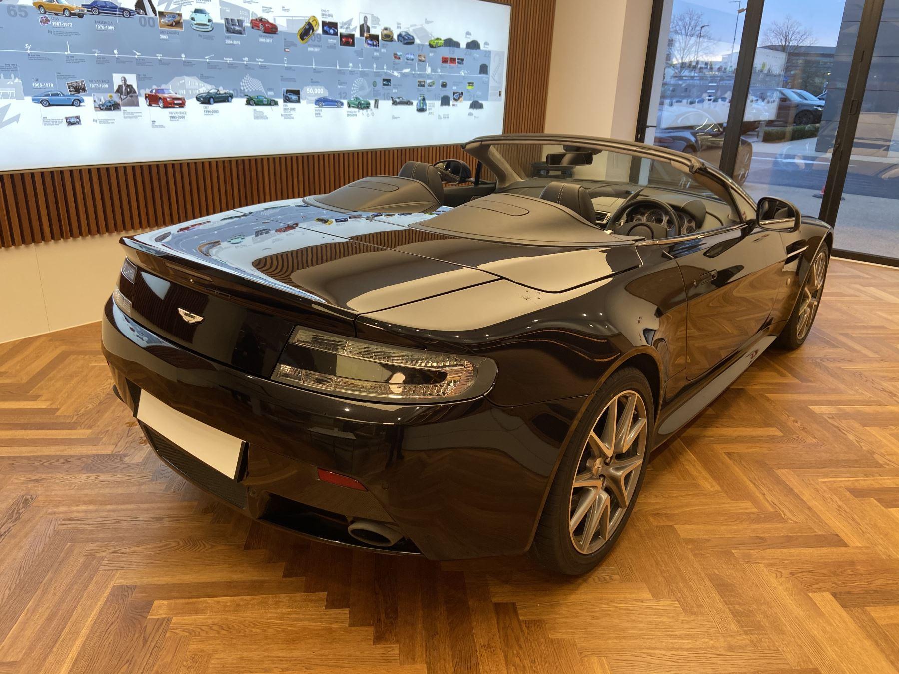 Aston Martin V8 Vantage S Roadster S 2dr Sportshift image 12