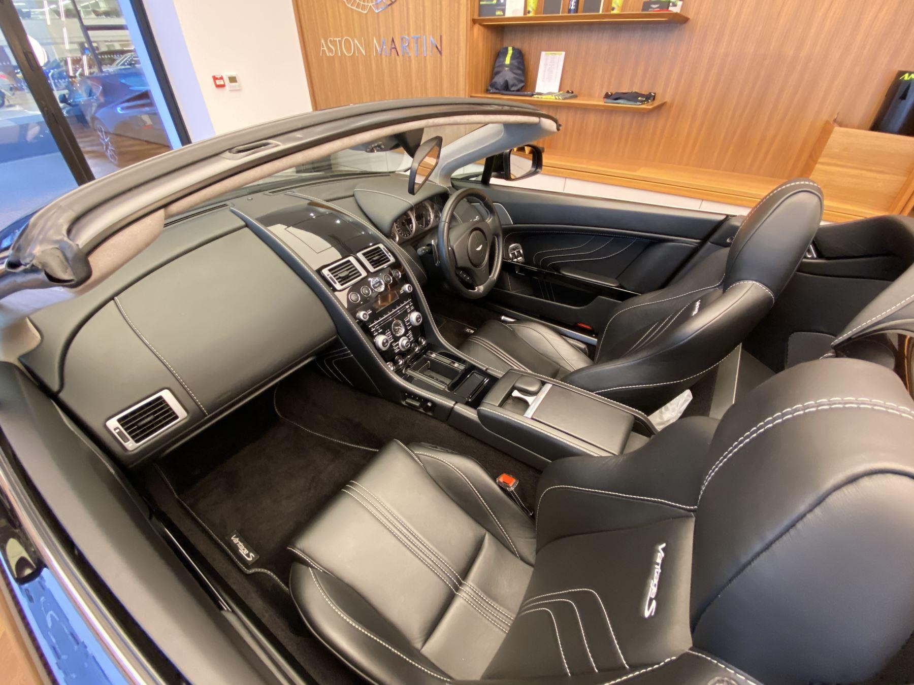 Aston Martin V8 Vantage S Roadster S 2dr Sportshift image 15