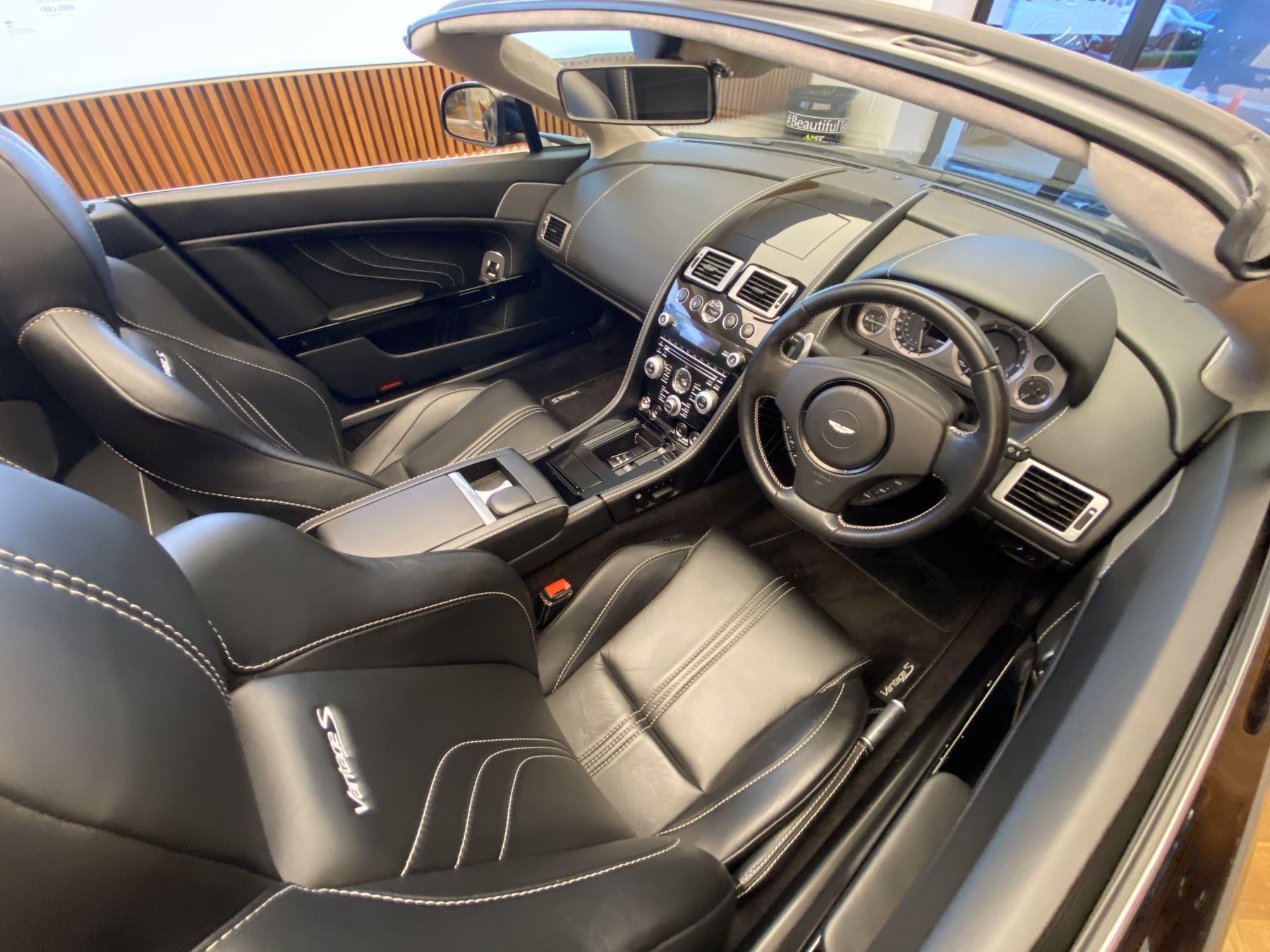 Aston Martin V8 Vantage S Roadster S 2dr Sportshift image 16