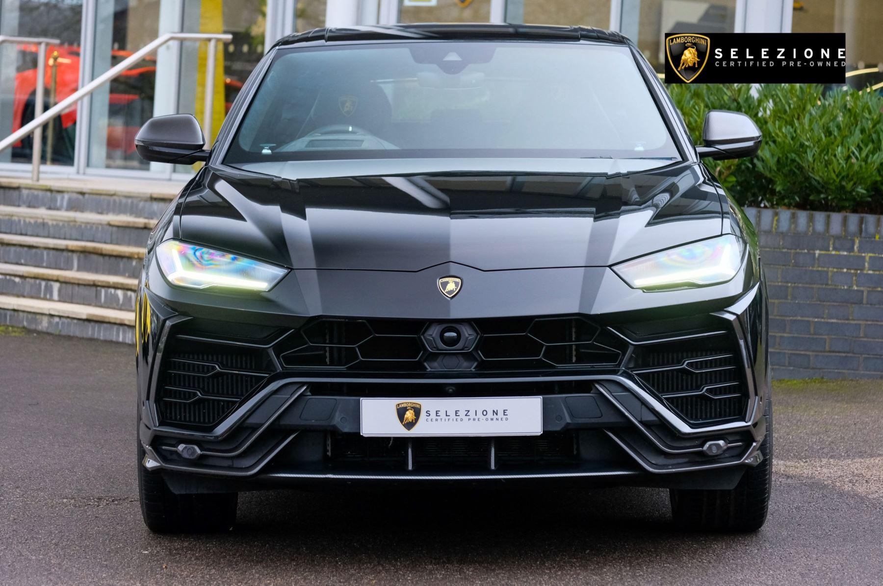Lamborghini Urus 4.0T FSI V8 5dr Auto - Akrapovic exhaust & Exterior Carbon image 5