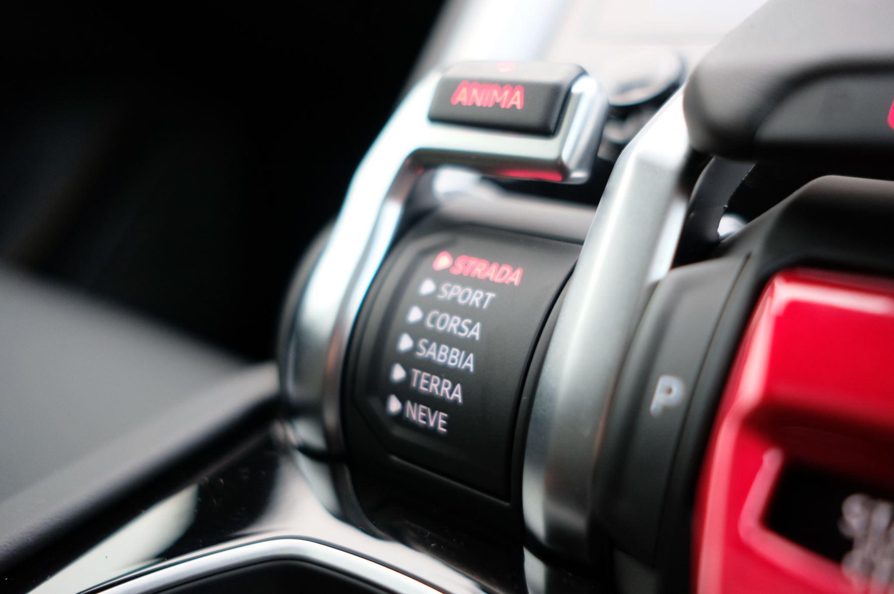 Lamborghini Urus 4.0T FSI V8 5dr Auto - Akrapovic exhaust & Exterior Carbon image 32