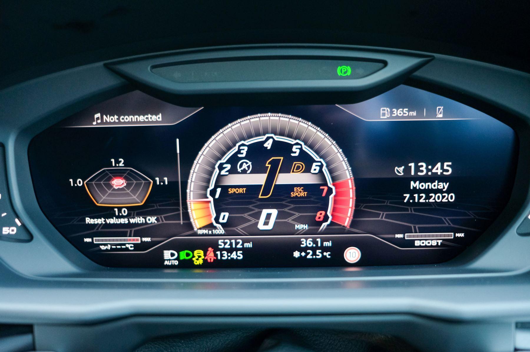 Lamborghini Urus 4.0T FSI V8 5dr Auto - Akrapovic exhaust & Exterior Carbon image 37