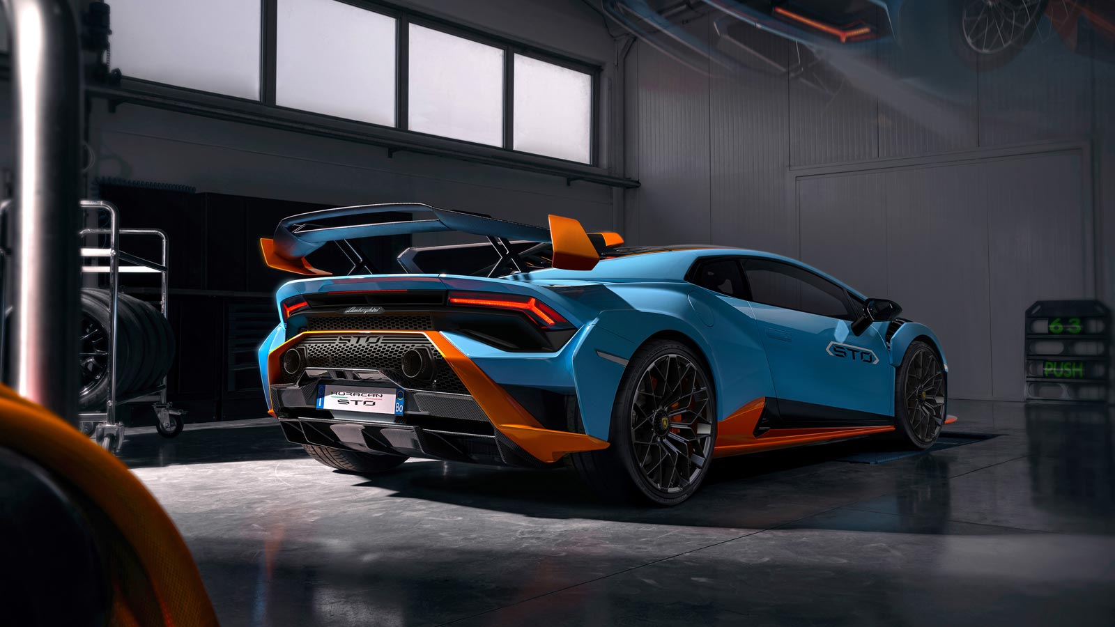 Lamborghini Huracan STO - From racetrack to road image 2