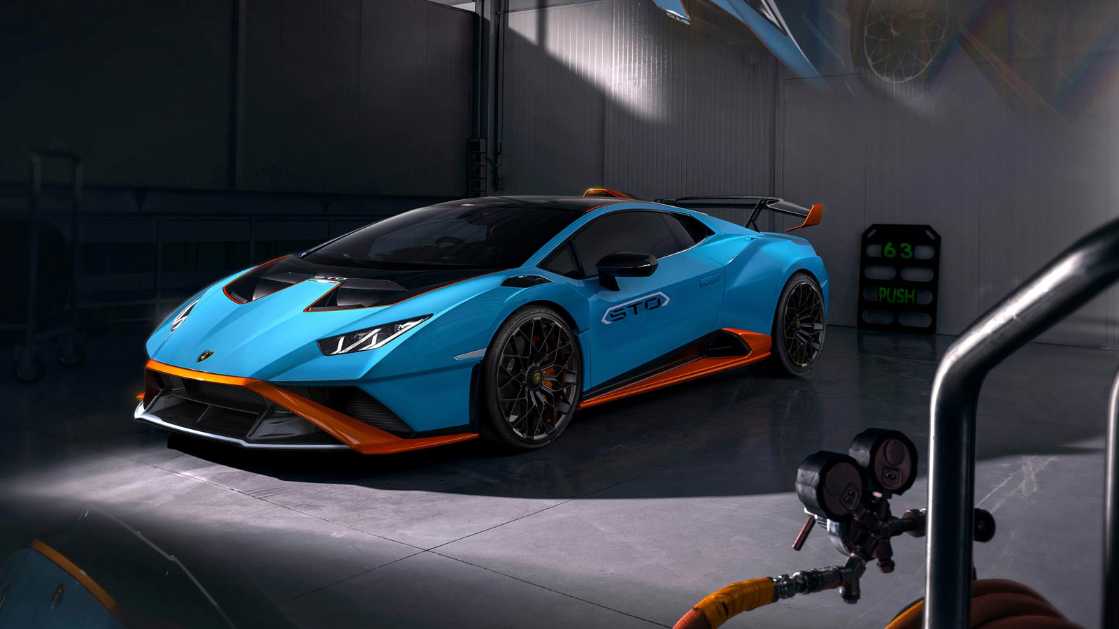Lamborghini Huracan STO - From racetrack to road image 4