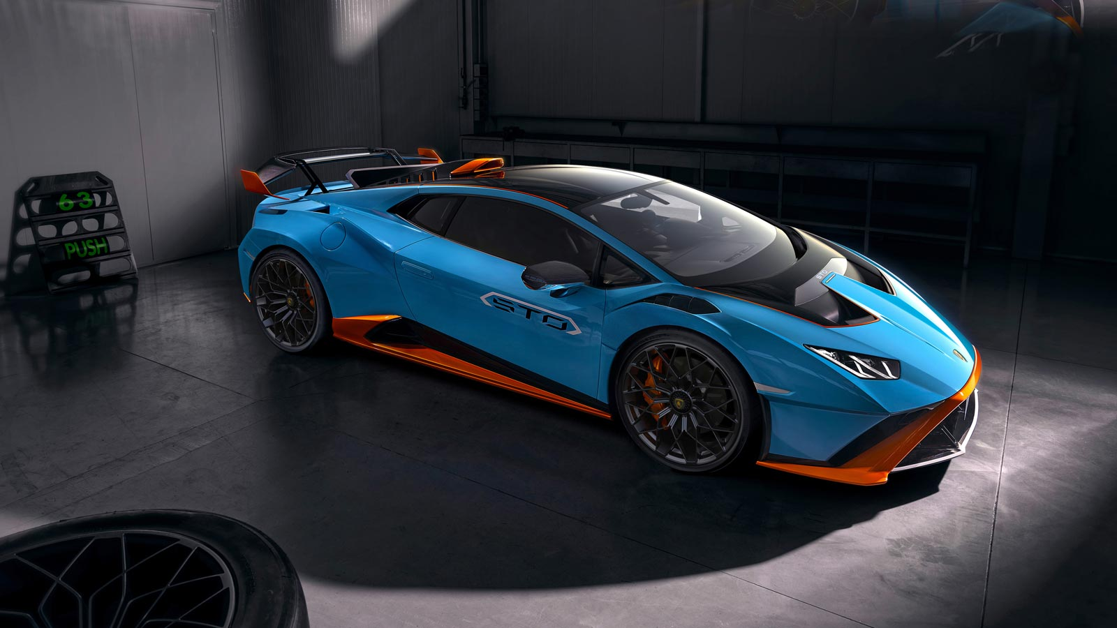 Lamborghini Huracan STO - From racetrack to road image 8