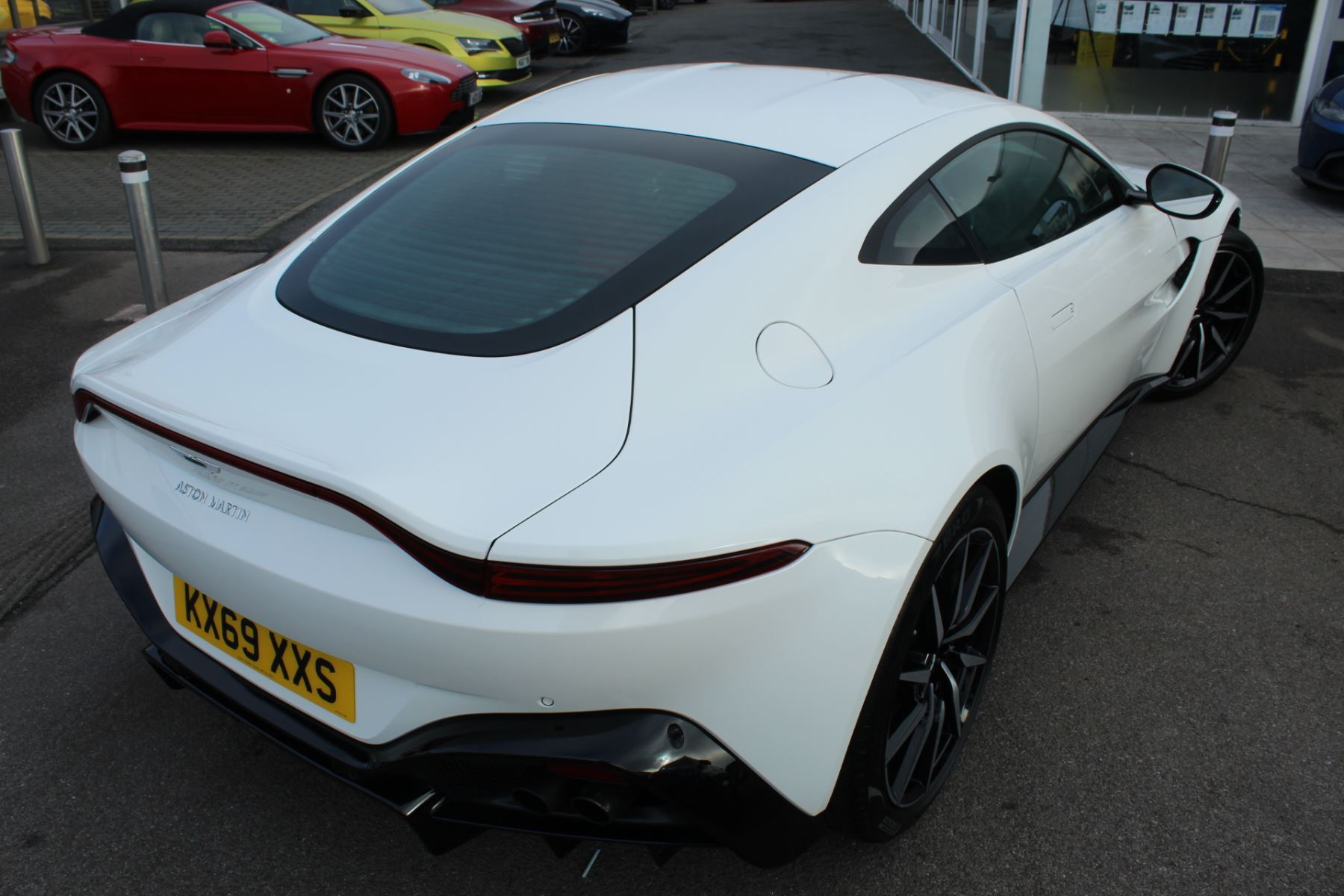 Aston Martin New Vantage 2dr ZF 8 Speed image 10