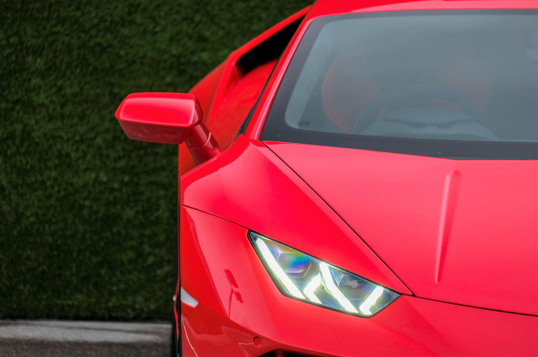 Lamborghini Huracan 5.2 V10 640 2dr Auto AWD image 10