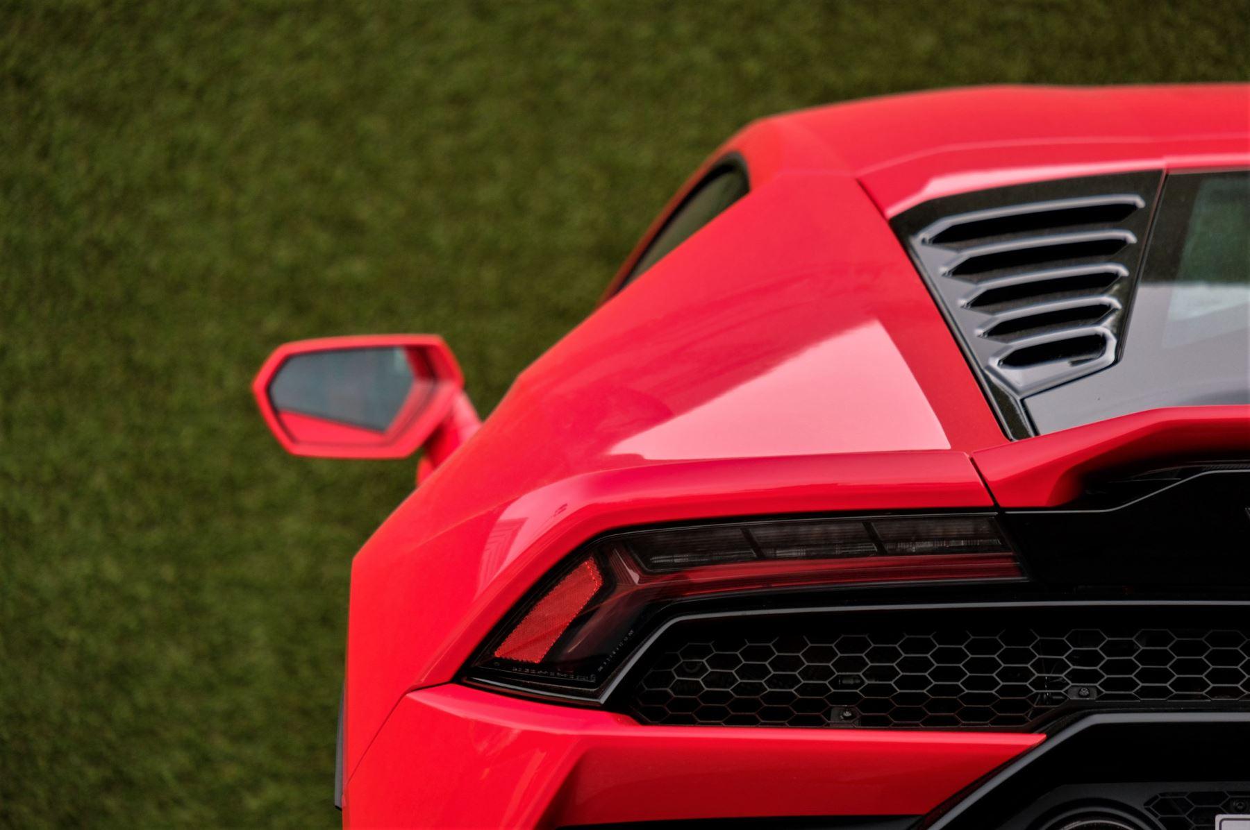 Lamborghini Huracan 5.2 V10 640 2dr Auto AWD image 11