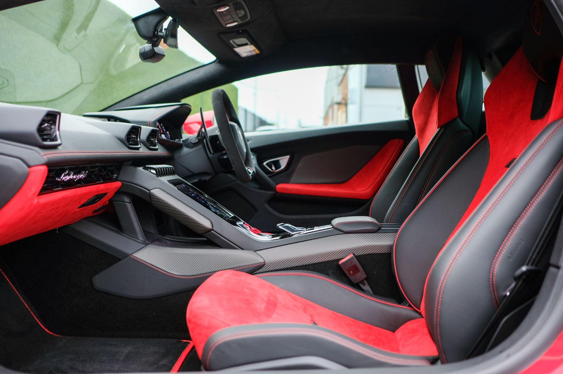 Lamborghini Huracan 5.2 V10 640 2dr Auto AWD image 6