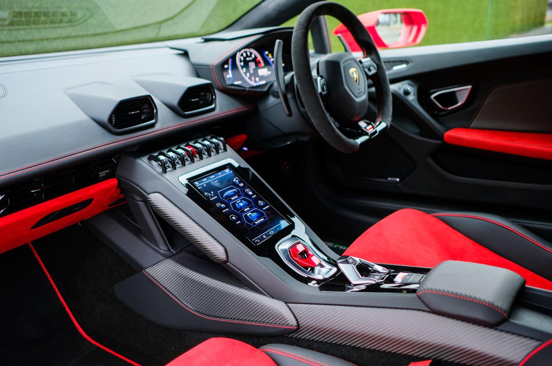 Lamborghini Huracan 5.2 V10 640 2dr Auto AWD image 7