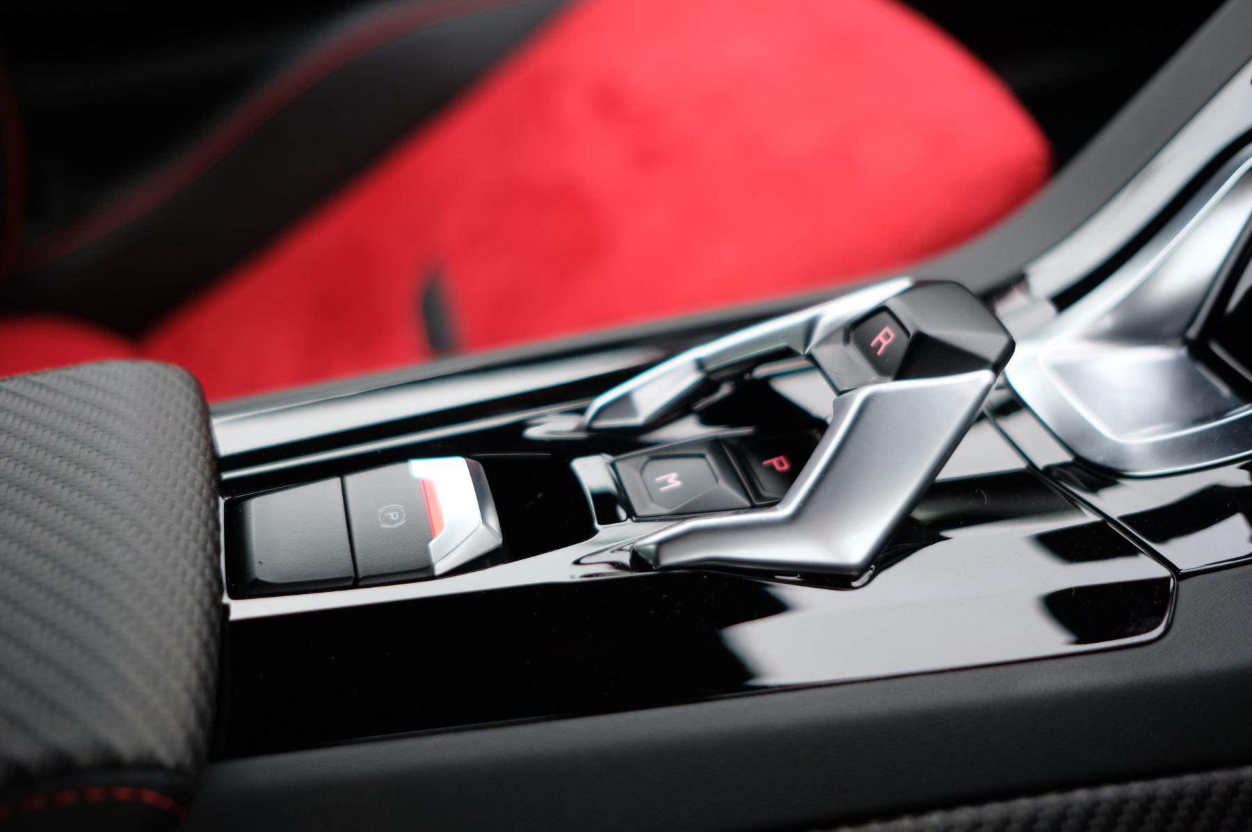 Lamborghini Huracan 5.2 V10 640 2dr Auto AWD image 21