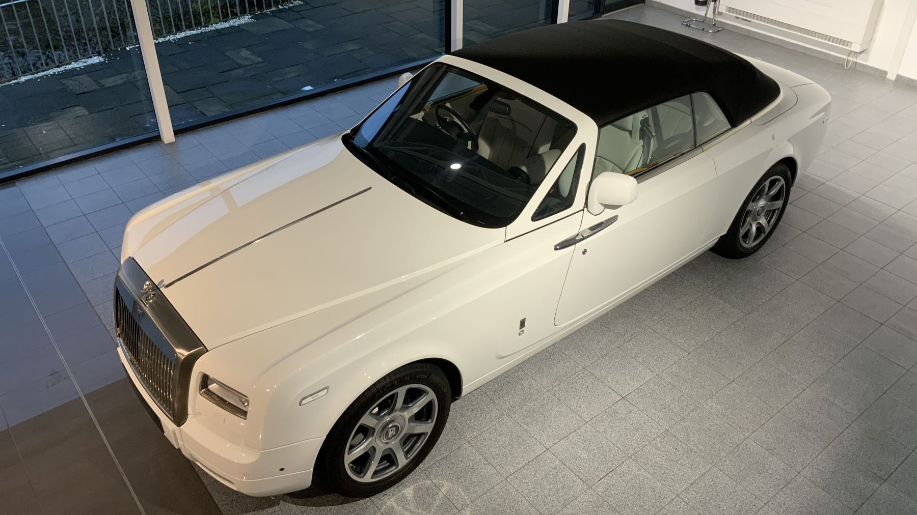 Rolls-Royce Phantom Drophead Coupe Series 2 image 18
