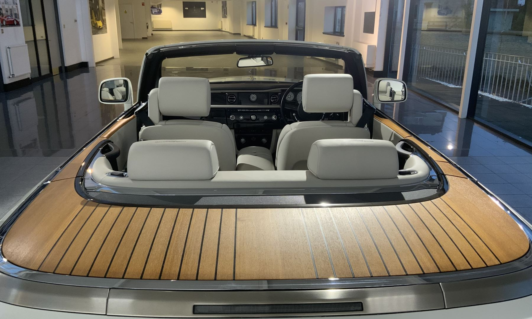 Rolls-Royce Phantom Drophead Coupe Series 2 image 22