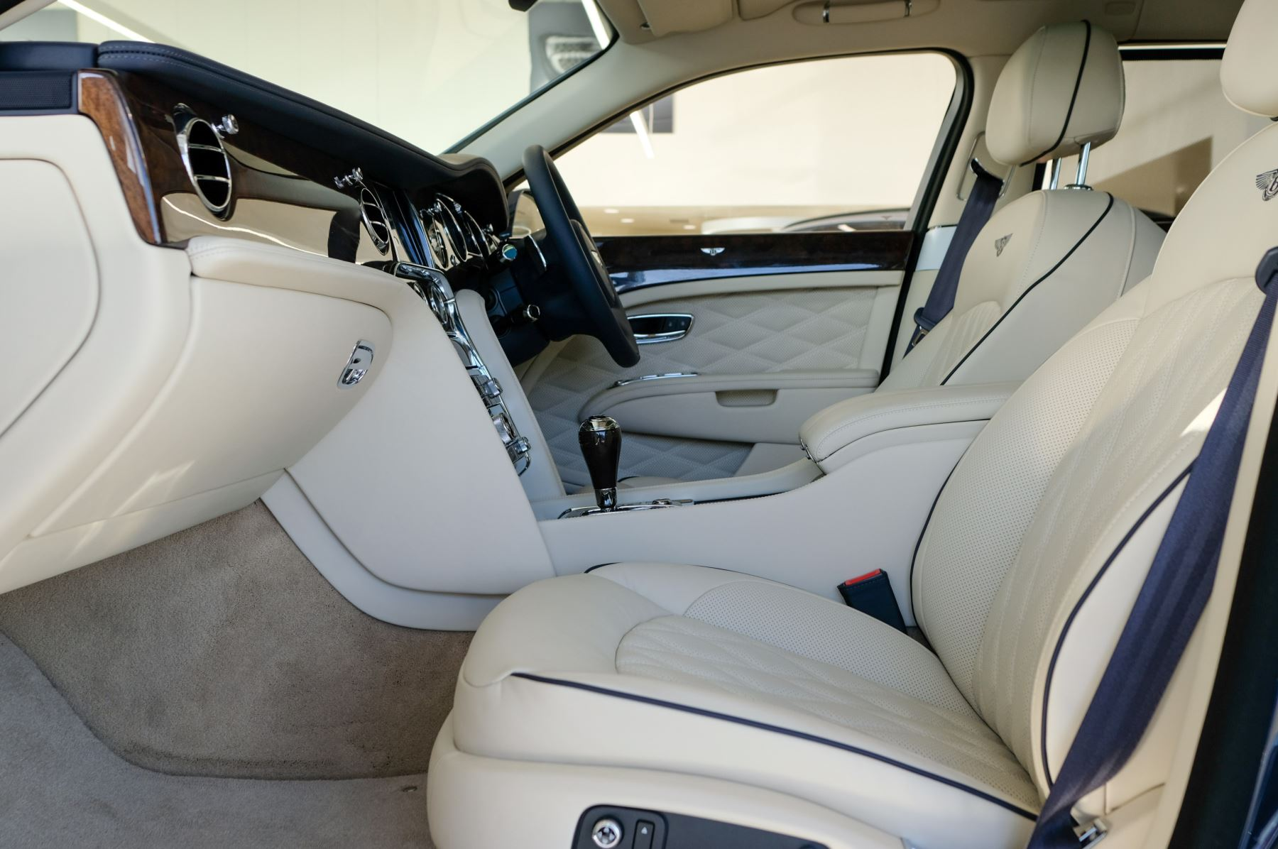Bentley Mulsanne Speed 6.8 V8 Speed - Speed Premier, Entertainment and Comfort Specification image 8