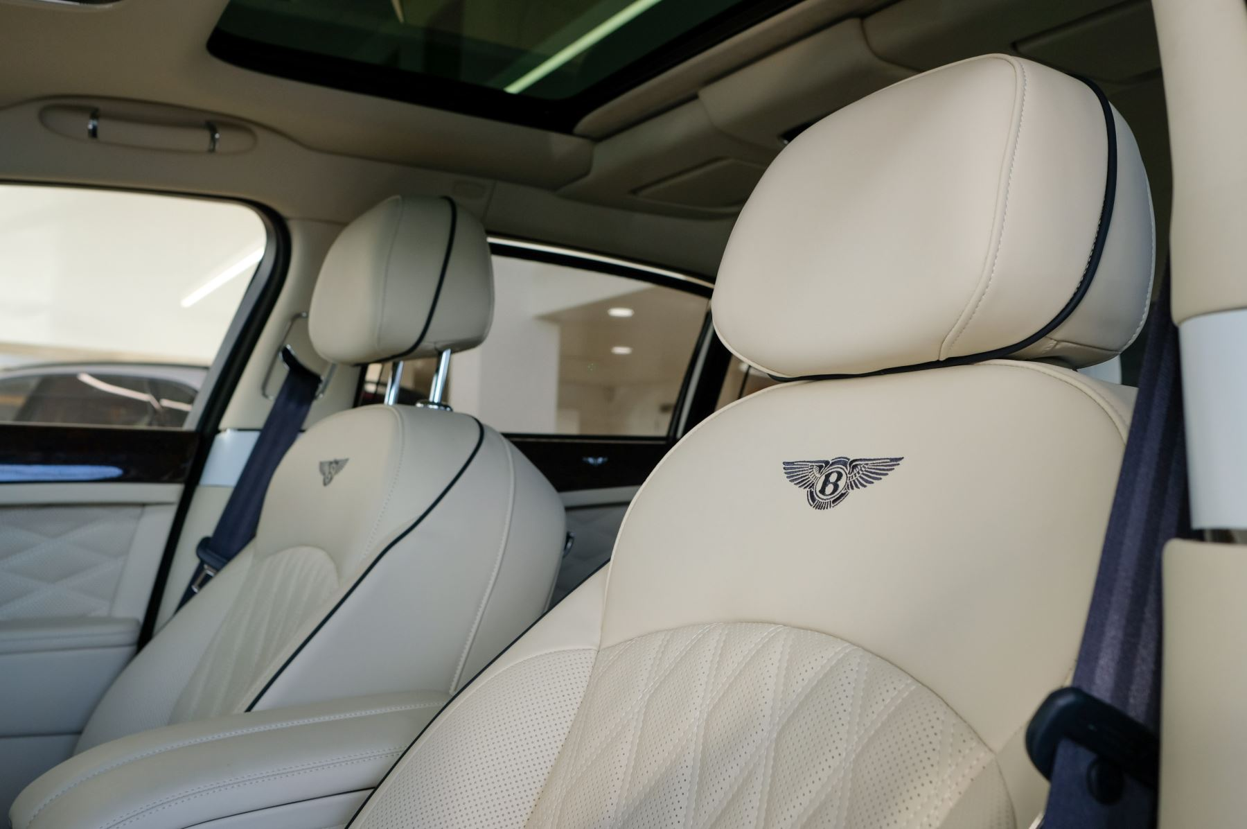Bentley Mulsanne Speed 6.8 V8 Speed - Speed Premier, Entertainment and Comfort Specification image 9