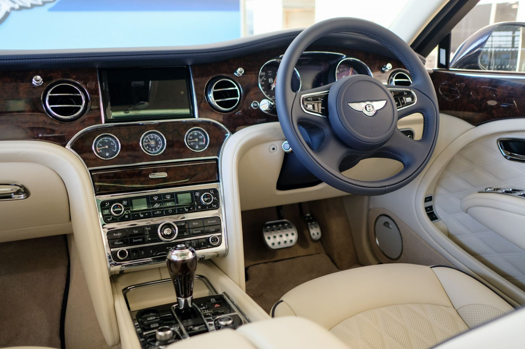 Bentley Mulsanne Speed 6.8 V8 Speed - Speed Premier, Entertainment and Comfort Specification image 15