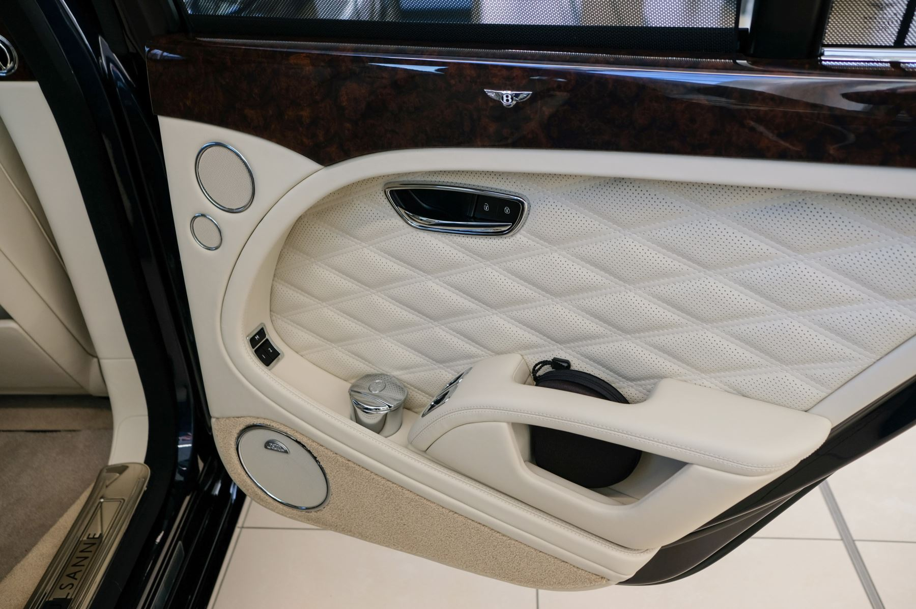 Bentley Mulsanne Speed 6.8 V8 Speed - Speed Premier, Entertainment and Comfort Specification image 18