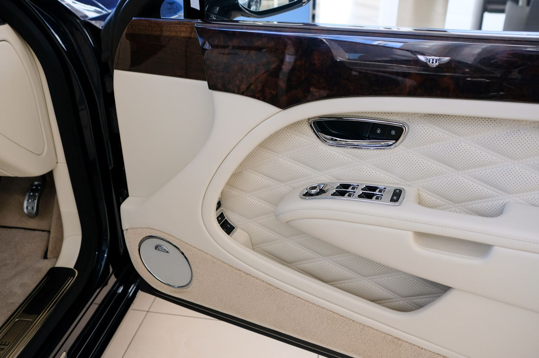 Bentley Mulsanne Speed 6.8 V8 Speed - Speed Premier, Entertainment and Comfort Specification image 19