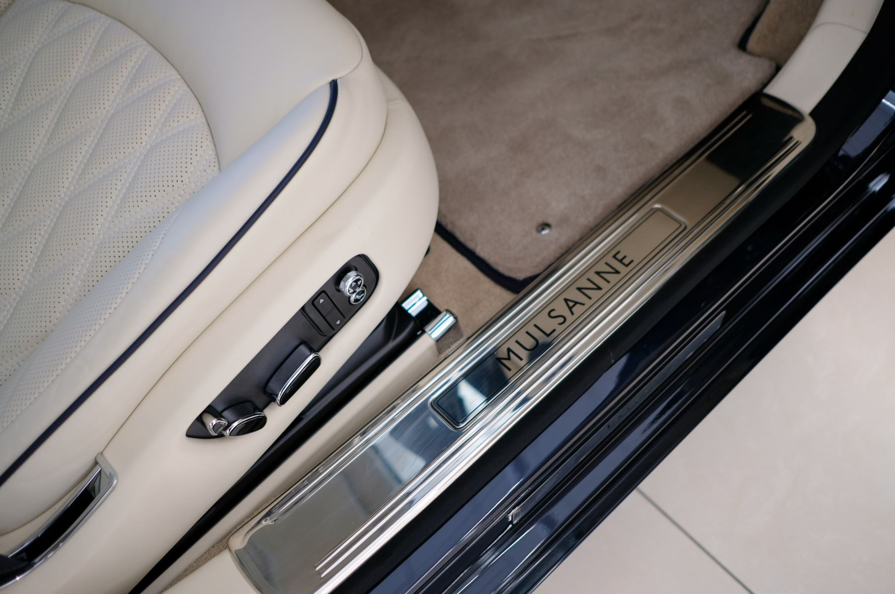 Bentley Mulsanne Speed 6.8 V8 Speed - Speed Premier, Entertainment and Comfort Specification image 20