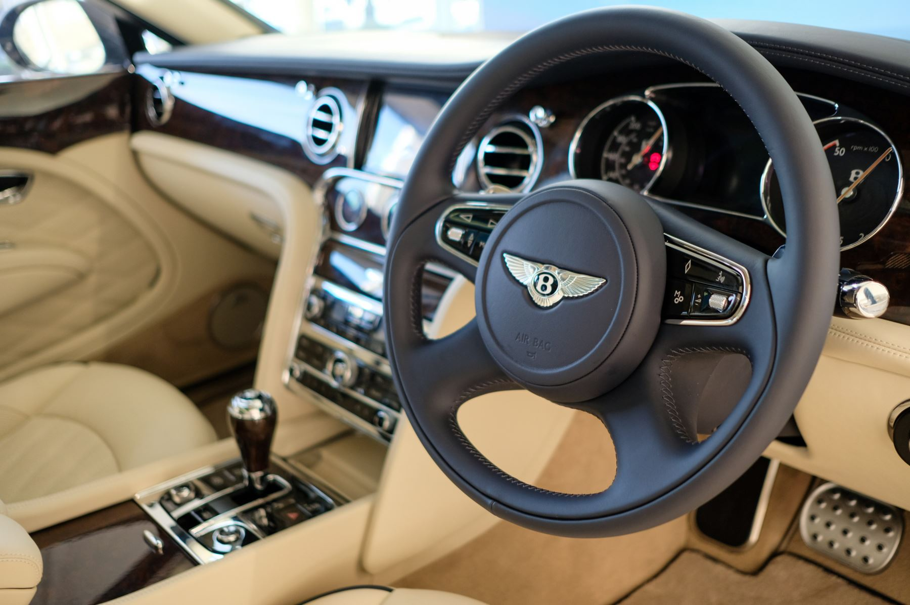 Bentley Mulsanne Speed 6.8 V8 Speed - Speed Premier, Entertainment and Comfort Specification image 21