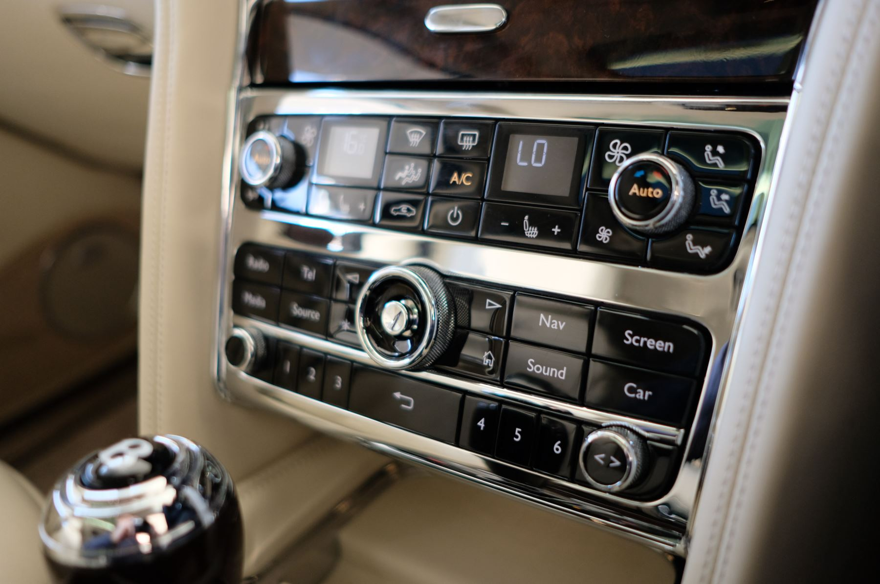 Bentley Mulsanne Speed 6.8 V8 Speed - Speed Premier, Entertainment and Comfort Specification image 24