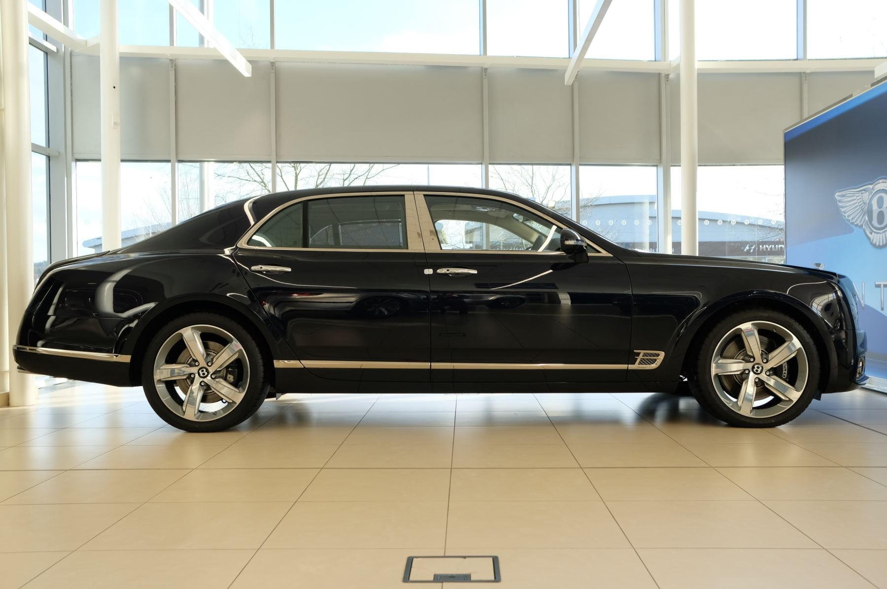 Bentley Mulsanne Speed 6.8 V8 Speed - Speed Premier, Entertainment and Comfort Specification image 3