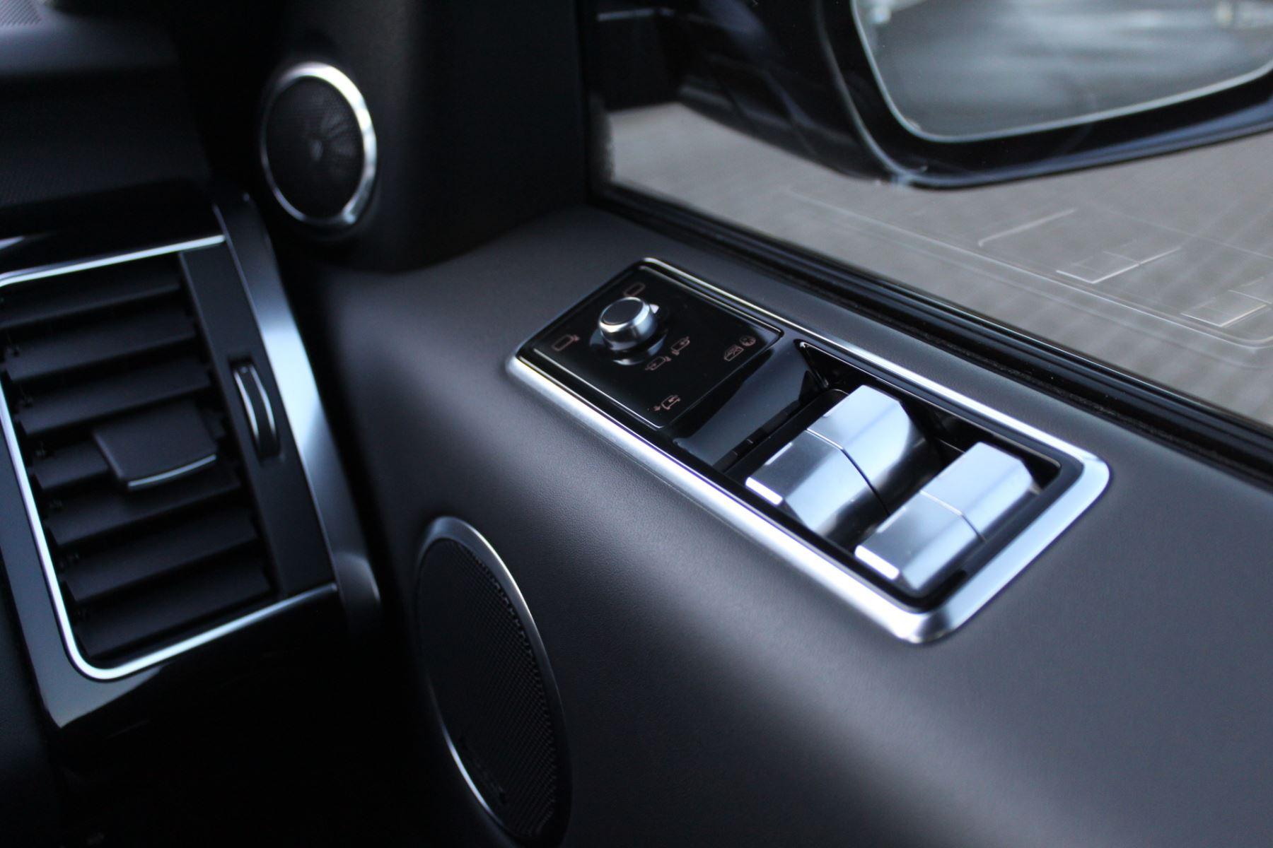 Land Rover Range Rover Sport 5.0 V8 S/C 575 SVR 5dr image 17