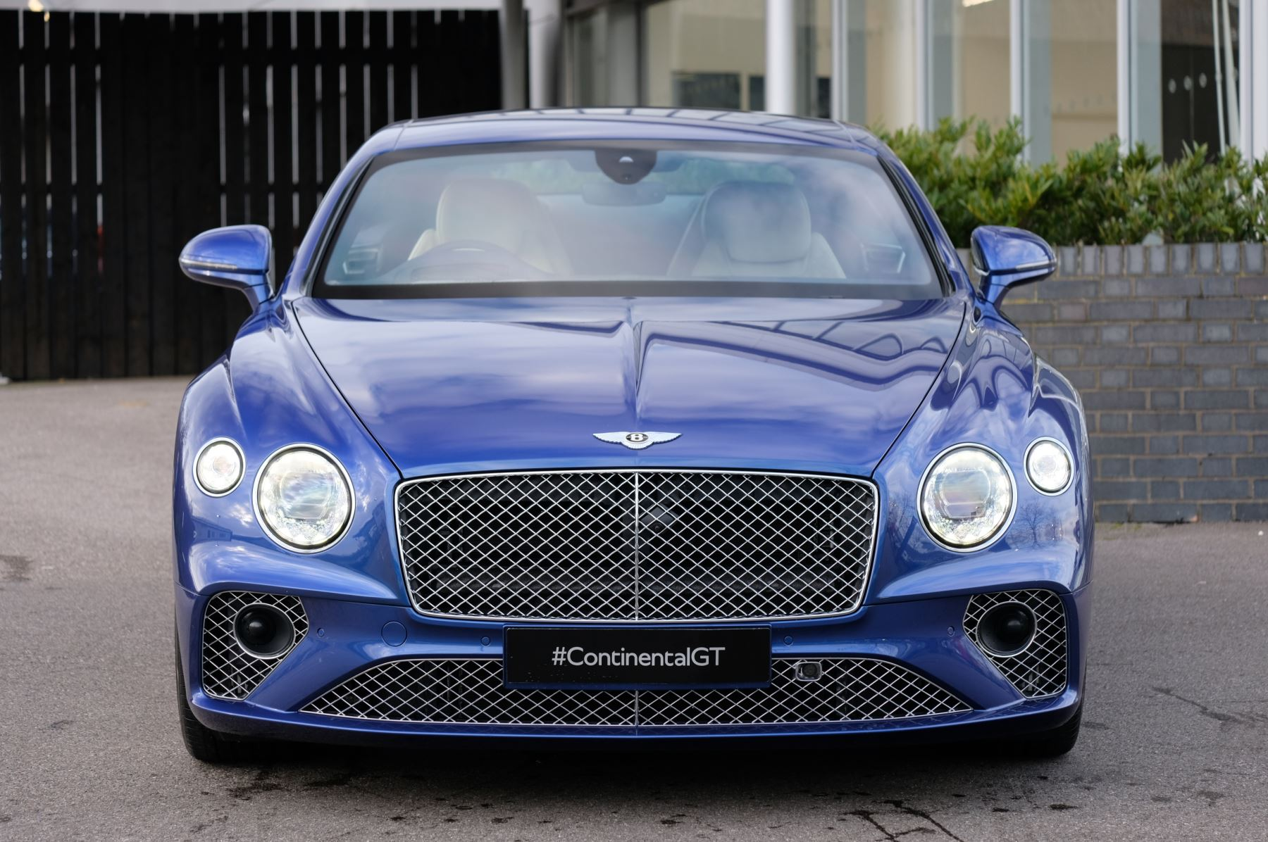Bentley Continental GT 4.0 V8 Mulliner Driving Spec 2dr Auto - Centenary and Touring Specification image 2