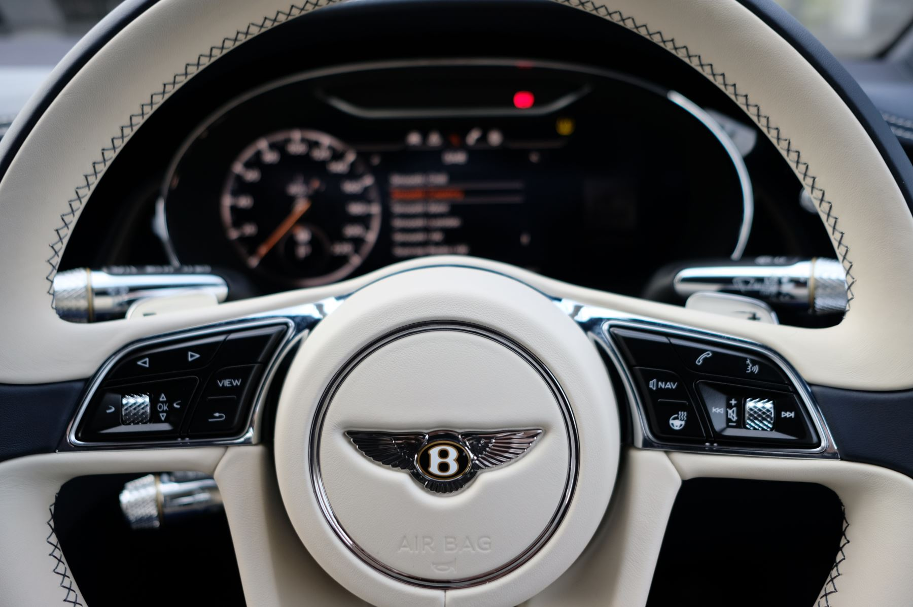 Bentley Continental GT 4.0 V8 Mulliner Driving Spec 2dr Auto - Centenary and Touring Specification image 17