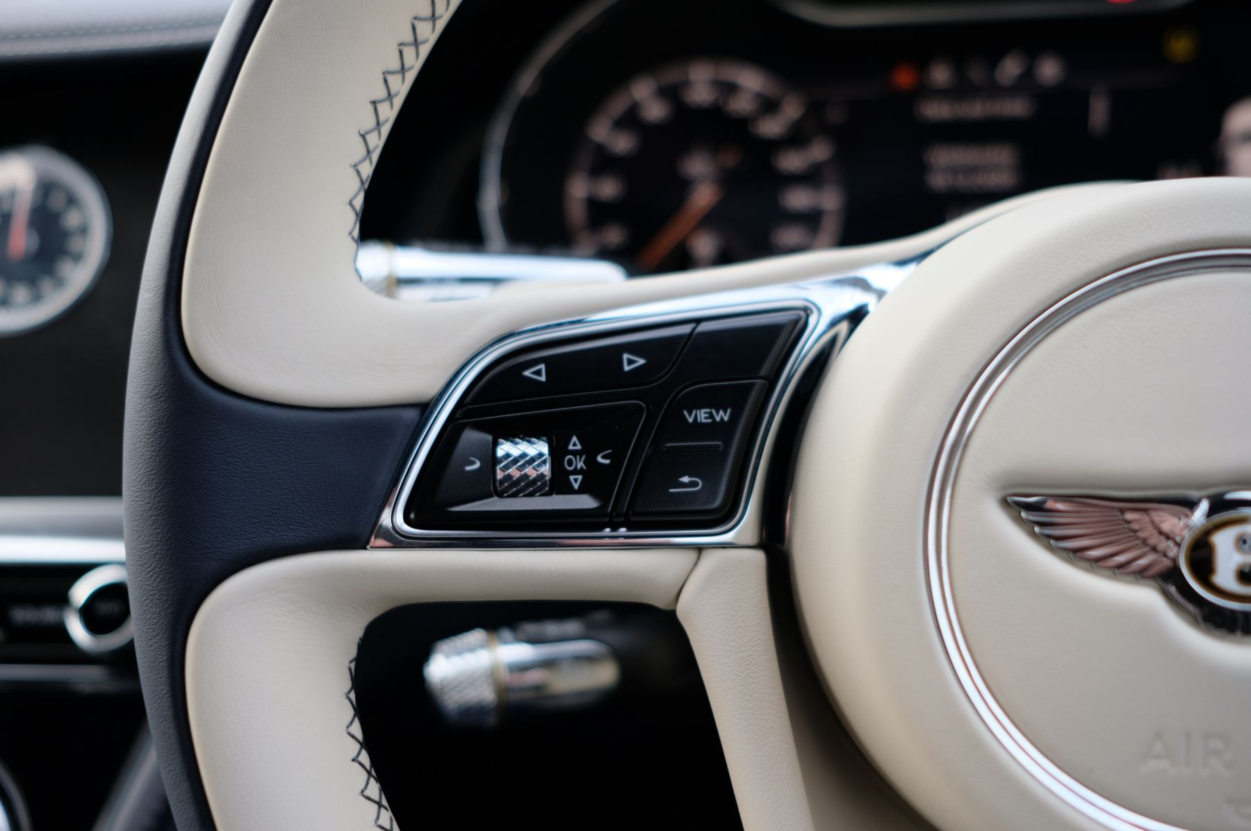 Bentley Continental GT 4.0 V8 Mulliner Driving Spec 2dr Auto - Centenary and Touring Specification image 24