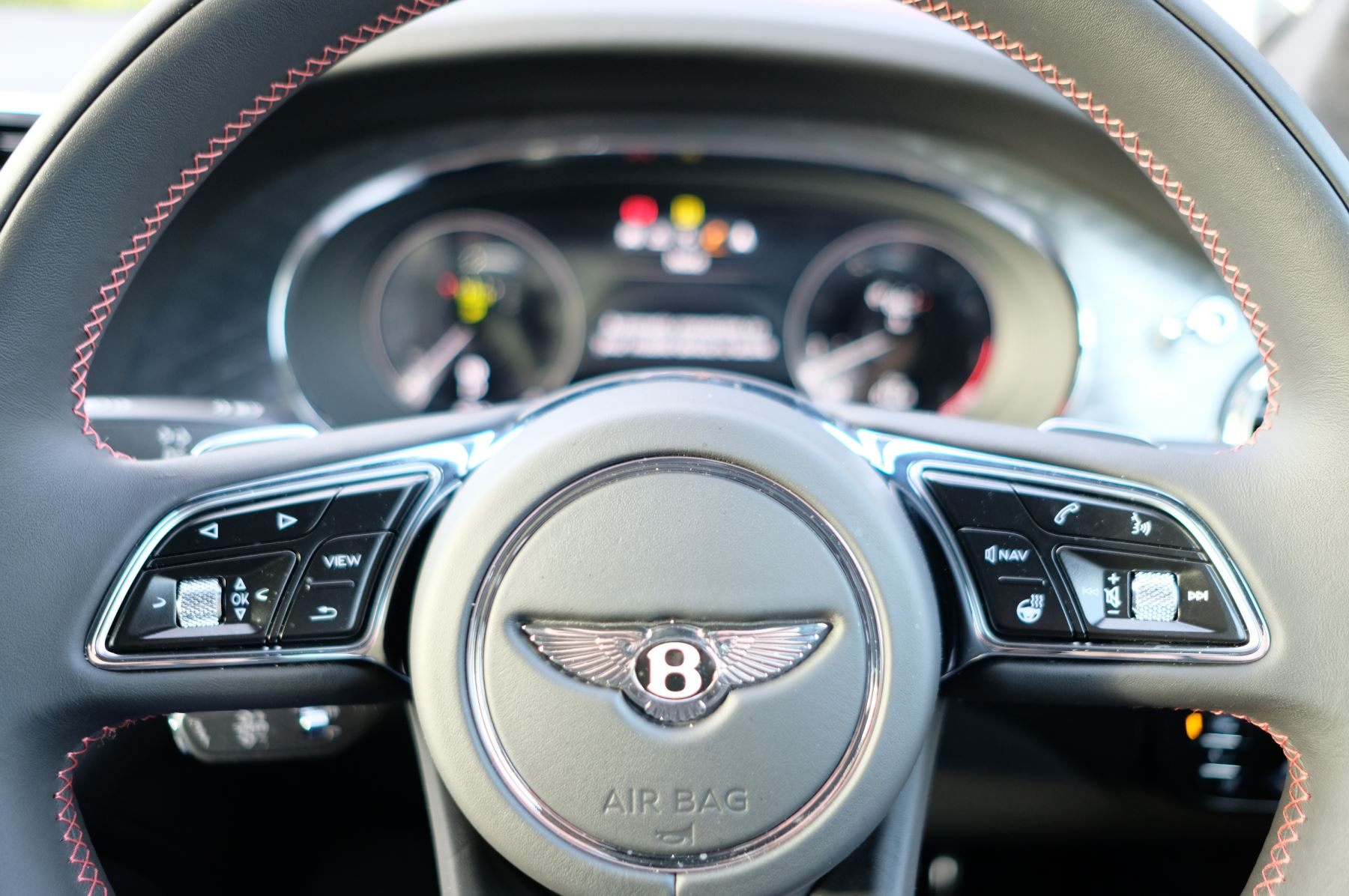 Bentley Bentayga 4.0 V8 - Touring and Front Seat Comfort Specification  image 21