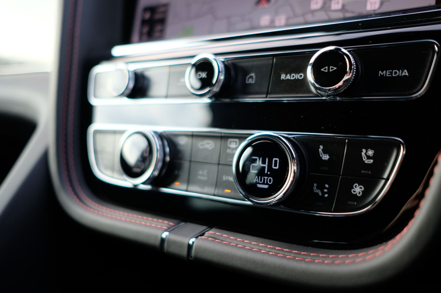 Bentley Bentayga 4.0 V8 - Touring and Front Seat Comfort Specification  image 24