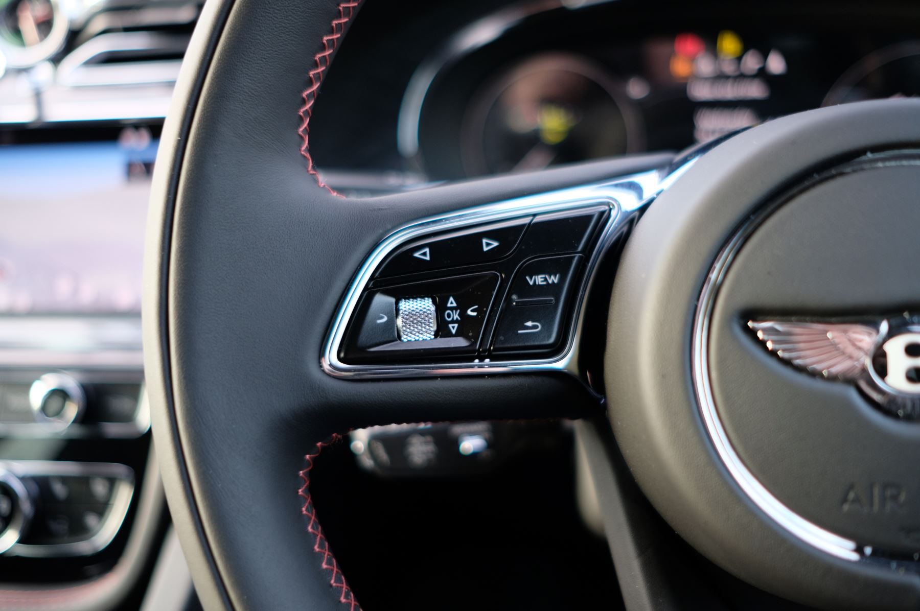 Bentley Bentayga 4.0 V8 - Touring and Front Seat Comfort Specification  image 27
